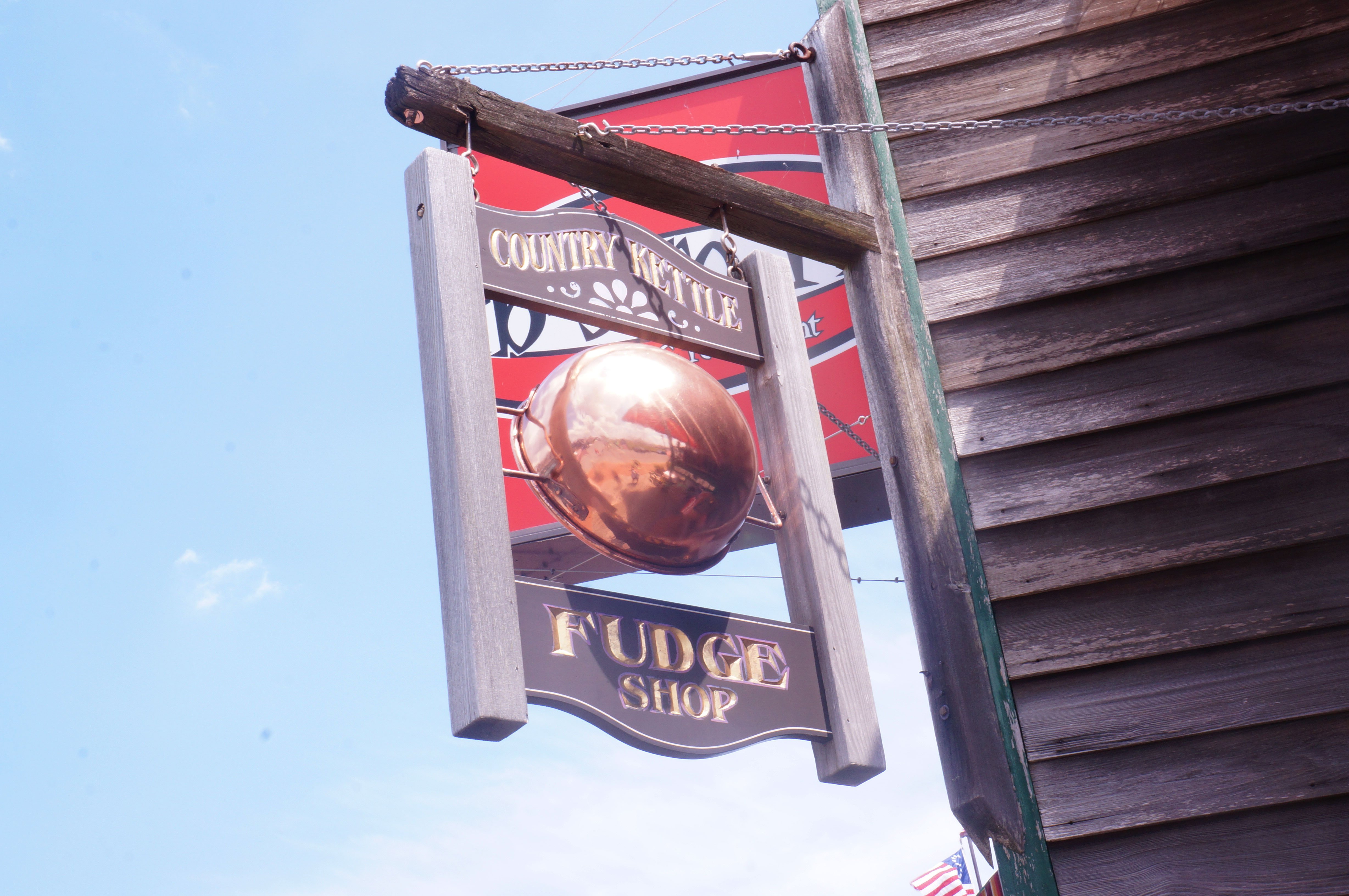 Country-Kettle-Fudge-Shop-Sign